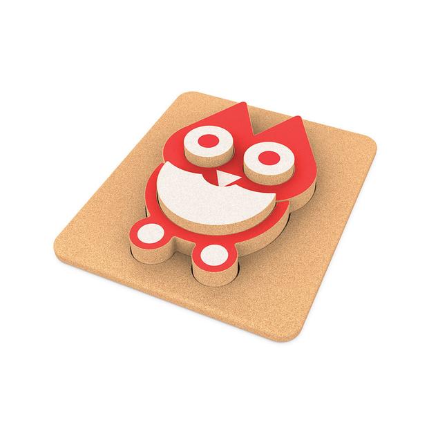 1 base de corcho sobre la que construir, 5 piezas de corcho de diferentes siluetas que juntas conforman este original puzzle.-Ukitu juguetes