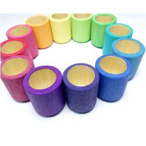 Vasitos 12 piezas de madera color arcoiíris. ukitu juguetes