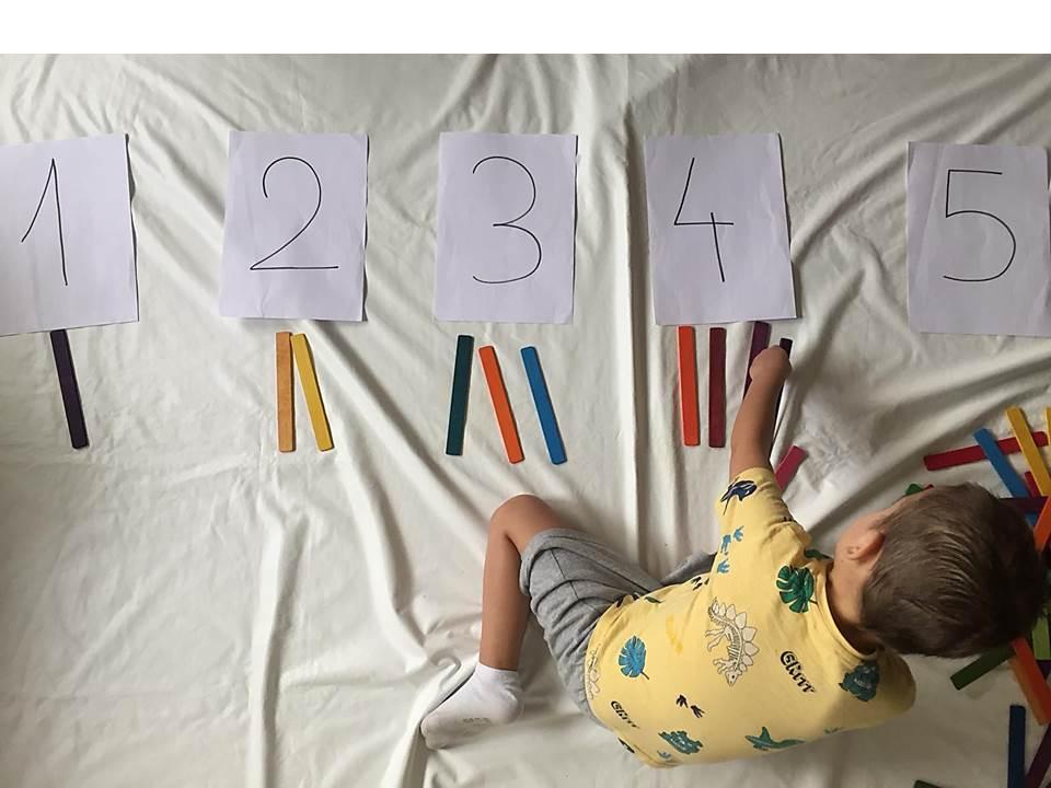 Las tablillas Da Vinci son un excelente recurso para trabajar el conteo de manera manipulativa y significativa para  el niño o la niña.