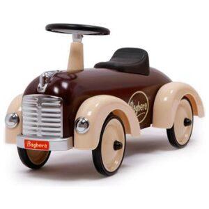 Correpasillos coche retro en color chocolate. Ukitu juguetes